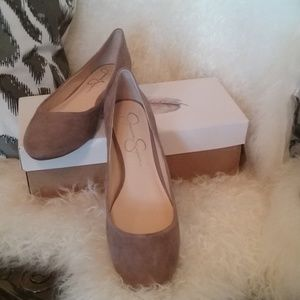 New Jessica Simpson Warm Taupe Lux Kid Suede flats